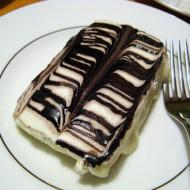Friday Foto: Chocolate Eclair Cake